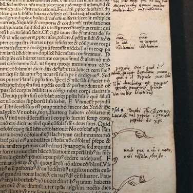 Manicule, note e parentesi